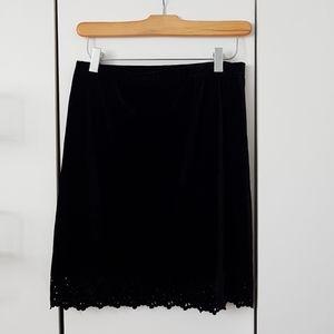 Velvet detailed trim skirt